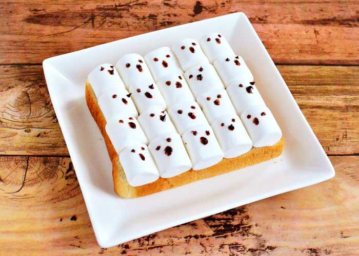 「ぎゅうぎゅうゴーストトースト」の作り方画像 2枚目