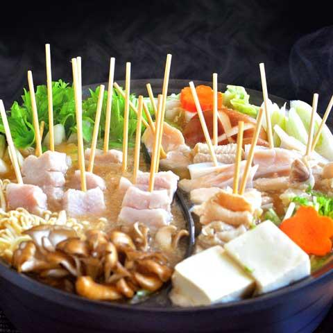 焼き鳥串で簡単☆ 豚&鶏の贅沢二色串鍋☆