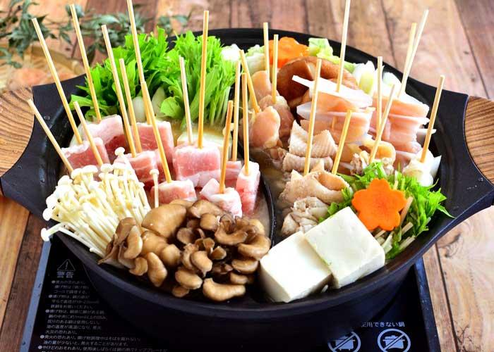 「焼き鳥串で簡単☆ 豚&鶏の贅沢二色串鍋☆」の作り方画像 4枚目