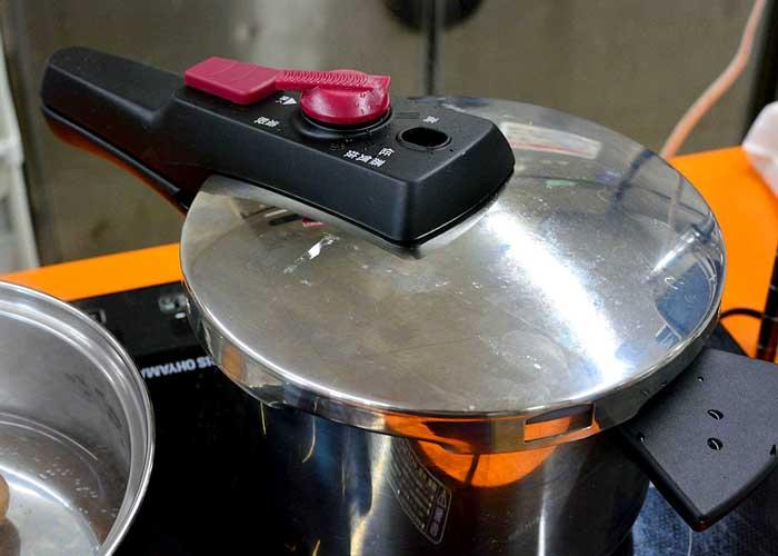 「お肉ほろほろ♡ 豚バラ肉のさっぱり煮」の作り方画像 4枚目