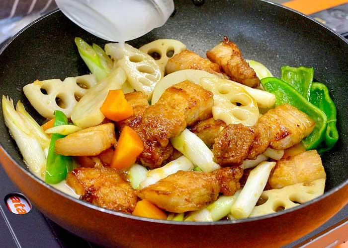 「新定番! さっぱり食べられる和風酢豚」の作り方画像 6枚目