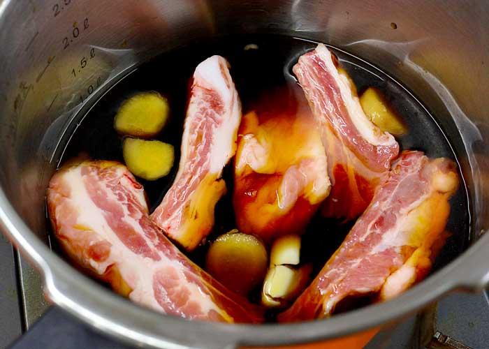 「さっぱりで柔らか! 豚バラのスペアリブ」の作り方画像 2枚目