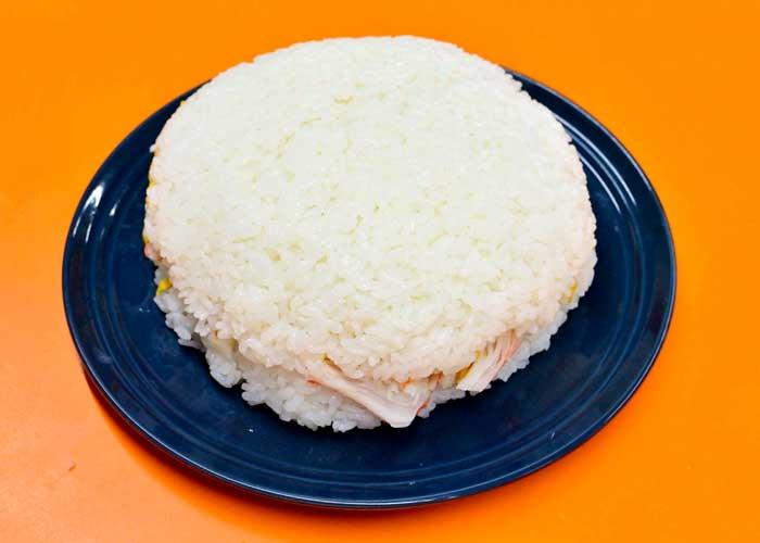 「ごろっと海鮮の、贅沢な寿司ケーキ♪」の作り方画像 5枚目