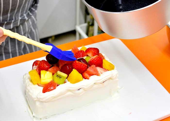 「カステラで超簡単! 失敗しないデコレーションケーキ♪」の作り方画像 8枚目