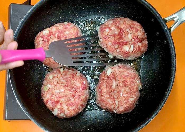 「ひき肉を使わずやわらかハンバーグ」の作り方画像 4枚目