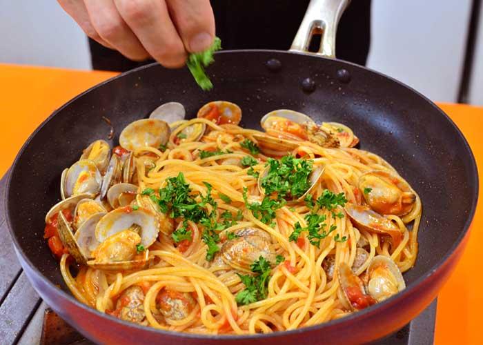 「ボンゴレロッソ風のアラビアータソースのスパゲッティ」の作り方画像 5枚目