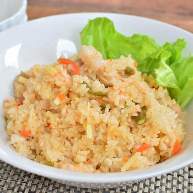 筍のしゃきしゃき食感が嬉しい♪ 中華風バラ肉の炊き込みご飯の写真
