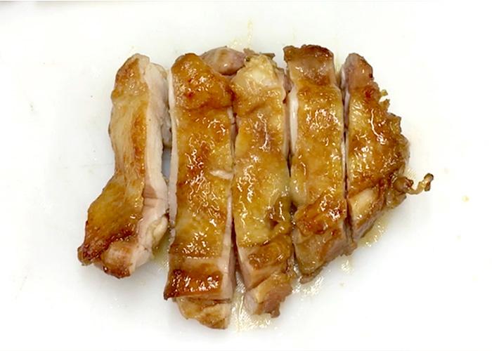 「濃厚ダレで絶品! 鶏もも肉の黒酢テリヤキ」の作り方画像 6枚目