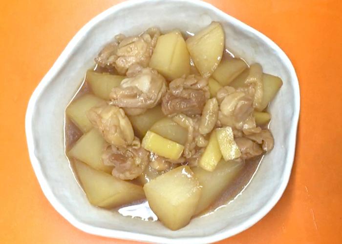 「カンタン黒酢で作る、大根ともも肉の染みうま黒酢煮」の作り方画像 4枚目
