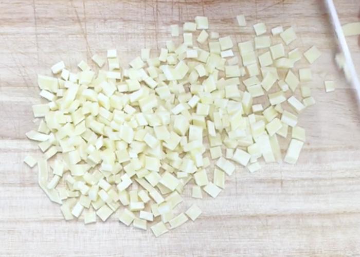 「ふんわりタラの風味が美味しい、チータラの炊き込みご飯」の作り方画像 1枚目
