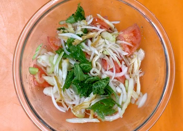 「珍味でサラダ!? 簡単に出来て最高に美味しい! くんさきとセロリのさっぱり和え」の作り方画像 3枚目