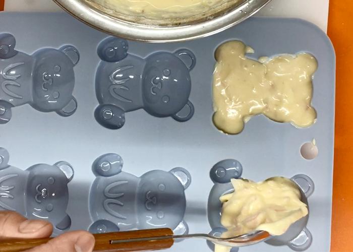 「しっとりふわふわ! やさしい甘みのチーズ・ハムワッフル」の作り方画像 3枚目