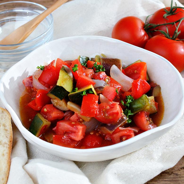 レンジで時短! 野菜の旨みぎゅっとラタトゥイユの写真