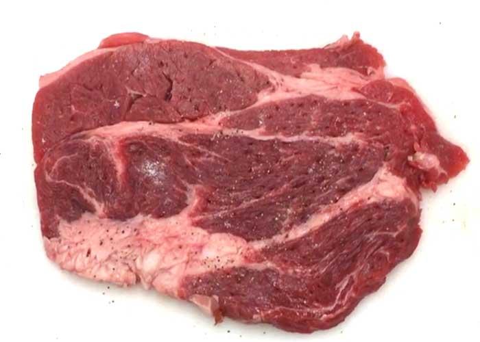 「失敗しない!輸入牛の焼き方」の作り方画像 1枚目