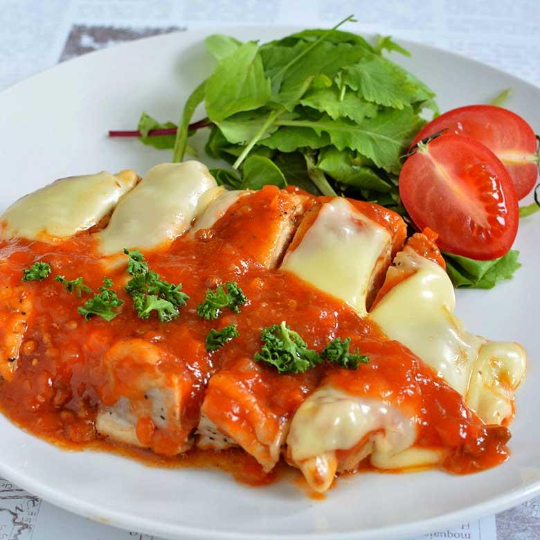 オーブンにおまかせ!とろけるチーズの鶏もも肉ミート焼の写真