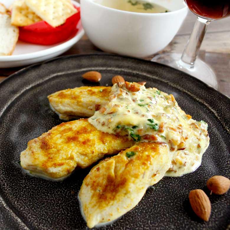 絶品!!鶏のささみのアーモンドホイップ煮の写真