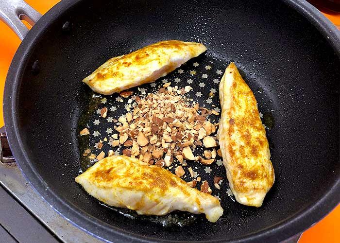「絶品!!鶏のささみのアーモンドホイップ煮」の作り方画像 3枚目