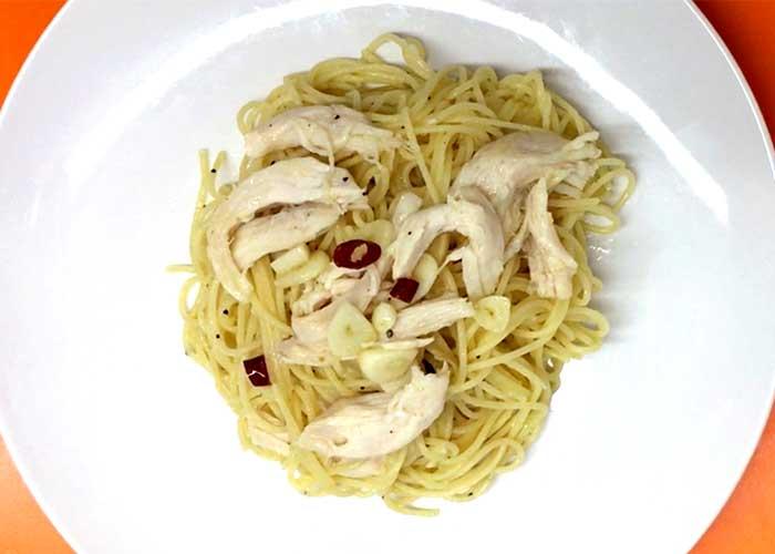 「サラダチキンの激旨ペペロンチーノ☆」の作り方画像 5枚目