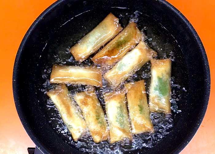 「簡単!大葉とチーズのサラダチキン春巻き!」の作り方画像 4枚目