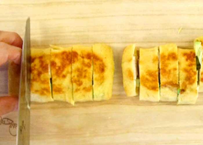「香ばしくおつまみにもおかずにも最高!サラダチキンとアボカドの包み焼き」の作り方画像 5枚目