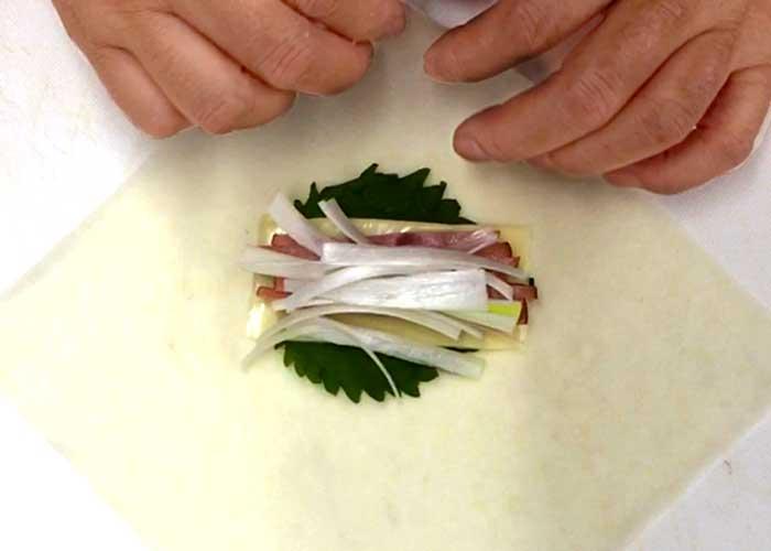「毎日でも食べたい!カリッとジュワッと焼豚の春巻き」の作り方画像 3枚目