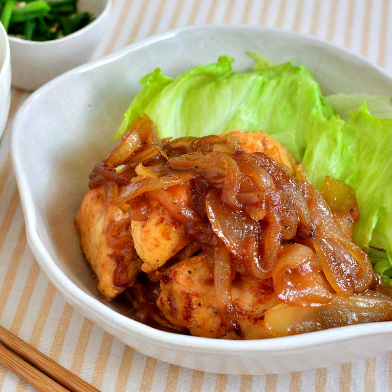 飴色玉ねぎが絶品!ジュ~シ~鶏むね肉の生姜焼きの写真
