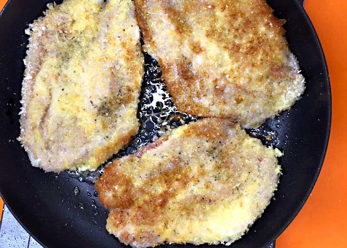 「生姜焼き用ロース肉でサクサク衣のミラノ風カツレツ」の作り方画像 4枚目
