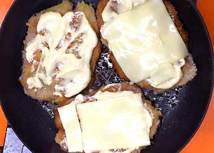 「生姜焼き用ロース肉でサクサク衣のミラノ風カツレツ」の作り方画像 5枚目