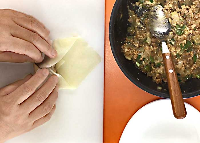 「さっぱり美味しい!鶏ひき肉キーマカレーの春巻き」の作り方画像 4枚目