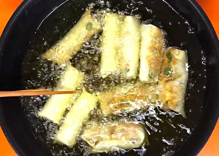 「さっぱり美味しい!鶏ひき肉キーマカレーの春巻き」の作り方画像 5枚目